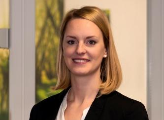 Audiologin Julie Brandt