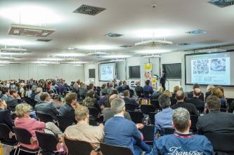 Cochlear zeigte neueste Trends für Hörimplantate beim HNO-Kongress in Düsseldorf