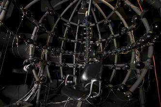 In dieser Schallkugel wurden die Hörtests durchgeführt. Foto: Prof. Dr. Marc Schönwiesner