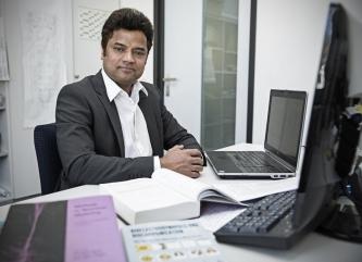 Kiran Sriperumbudur, Doktorand am Institut für Allgemeine Elektrotechnik der Universität Rostock. Copyright: Universität Rostock/Julia Tetzke