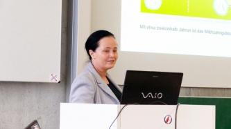 Professorin Dr. Kathleen Wermke vom Zentrum für vorsprachliche Entwicklung und Entwicklungsstörungen ... (Foto FHWS / Klein)