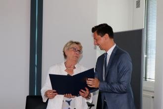 Foto:Peter Hölterhoff - Bundesverdienstkreuz Ricarda Wagner_19
