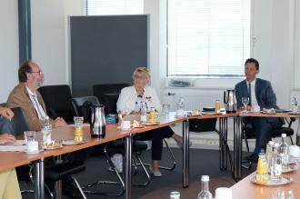 Foto:Peter Hölterhoff - Bundesverdienstkreuz Ricarda Wagner_26